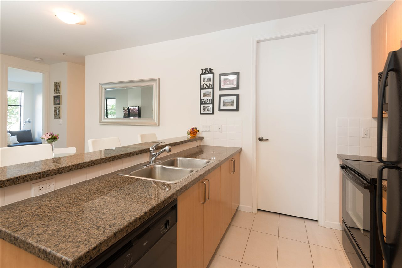 "Photo 8: 207 2065 W 12TH Avenue in Vancouver: Kitsilano Condo for sale in ""THE SYDNEY"" (Vancouver West)  : MLS(r) # R2116214"