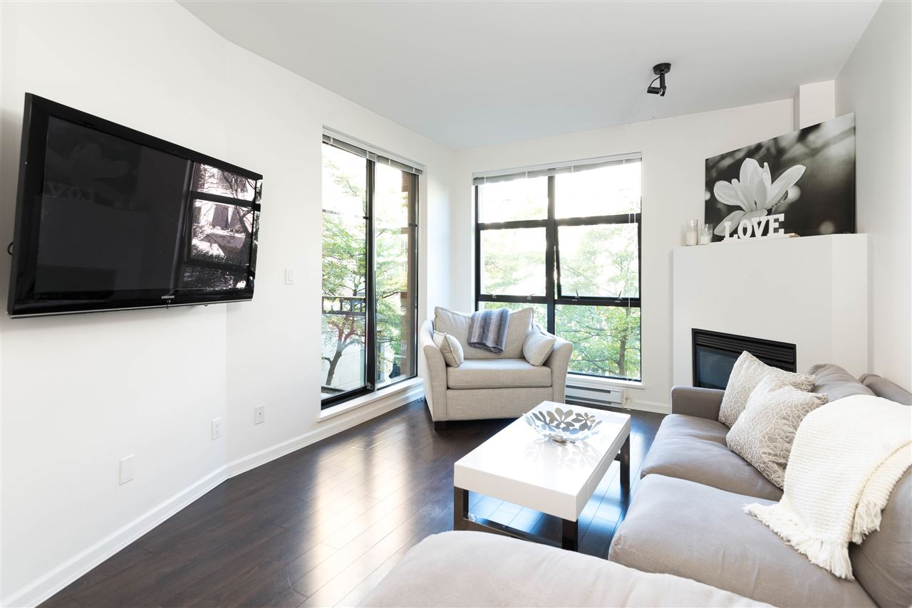"Photo 4: 207 2065 W 12TH Avenue in Vancouver: Kitsilano Condo for sale in ""THE SYDNEY"" (Vancouver West)  : MLS(r) # R2116214"