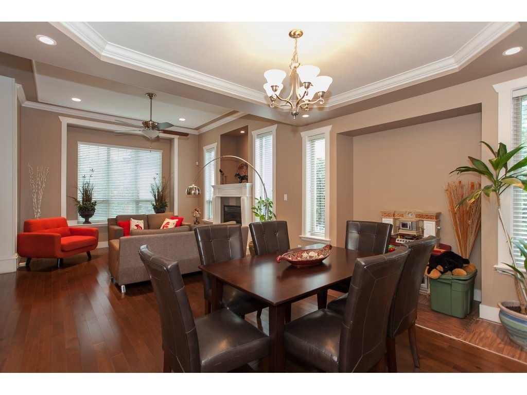 Photo 5: 8741 163A Street in Surrey: Fleetwood Tynehead House for sale : MLS® # R2117160