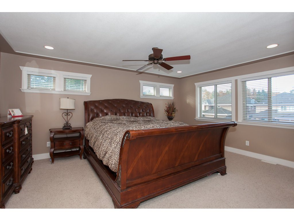 Photo 13: 8741 163A Street in Surrey: Fleetwood Tynehead House for sale : MLS® # R2117160