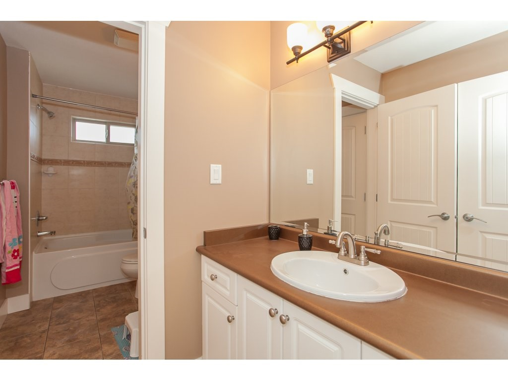 Photo 17: 8741 163A Street in Surrey: Fleetwood Tynehead House for sale : MLS® # R2117160