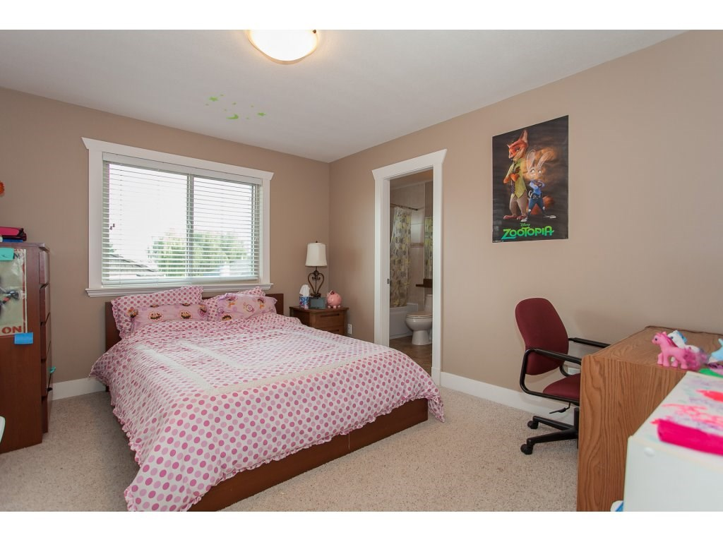 Photo 16: 8741 163A Street in Surrey: Fleetwood Tynehead House for sale : MLS® # R2117160