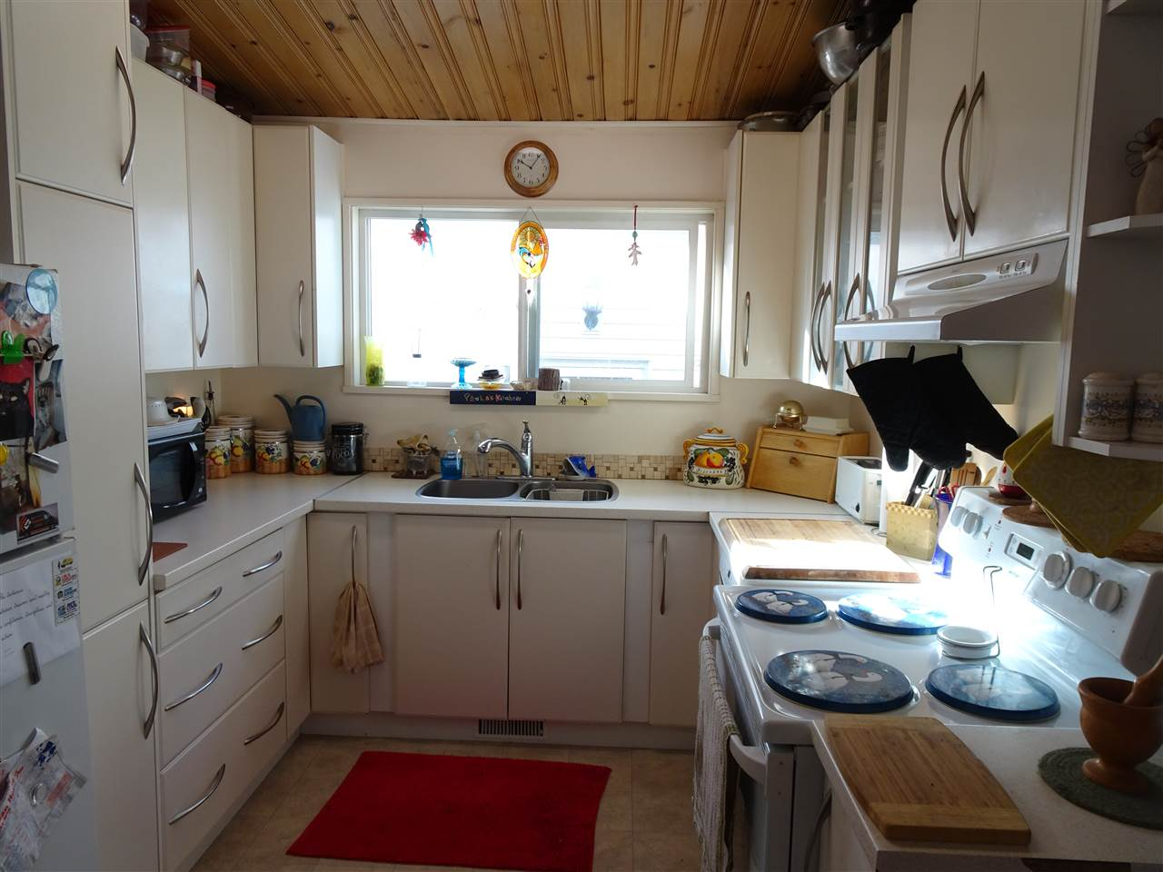 13016 Side - Kitchen