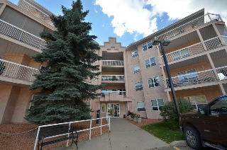 Main Photo: 204 17519 98A Avenue in Edmonton: Zone 20 Condo for sale : MLS(r) # E4053093