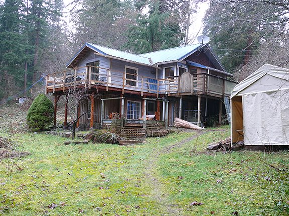 Main Photo: 929 BAYVIEW Road: Roberts Creek House for sale (Sunshine Coast)  : MLS(r) # R2145495