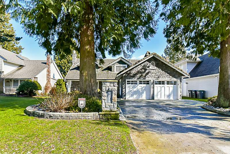 "Main Photo: 9814 157TH Street in Surrey: Guildford House for sale in ""Somerset Grove"" (North Surrey)  : MLS® # R2148561"