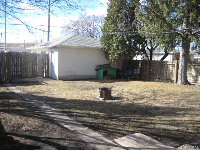 Photo 15: 1272 Valour Road in Winnipeg: West End Residential for sale (5C)  : MLS(r) # 1707624