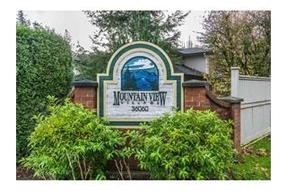 "Main Photo: 51 36060 OLD YALE Road in Abbotsford: Abbotsford East Townhouse for sale in ""MOUNTAIN VIEW VILLAGE"" : MLS(r) # R2156843"