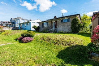 Main Photo: 3816 ELMWOOD Street in Burnaby: Burnaby Hospital House for sale (Burnaby South)  : MLS(r) # R2158418
