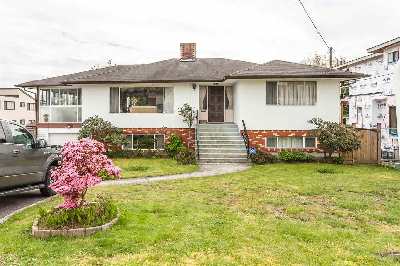 "Main Photo: 6690 WINCH Street in Burnaby: Parkcrest House for sale in ""PARKCREST"" (Burnaby North)  : MLS® # R2165264"