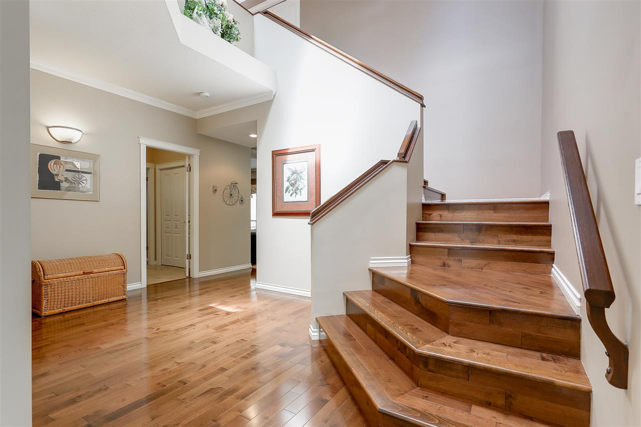 Photo 12: 100 PARKSIDE Drive in Port Moody: Heritage Mountain House for sale : MLS® # R2166868