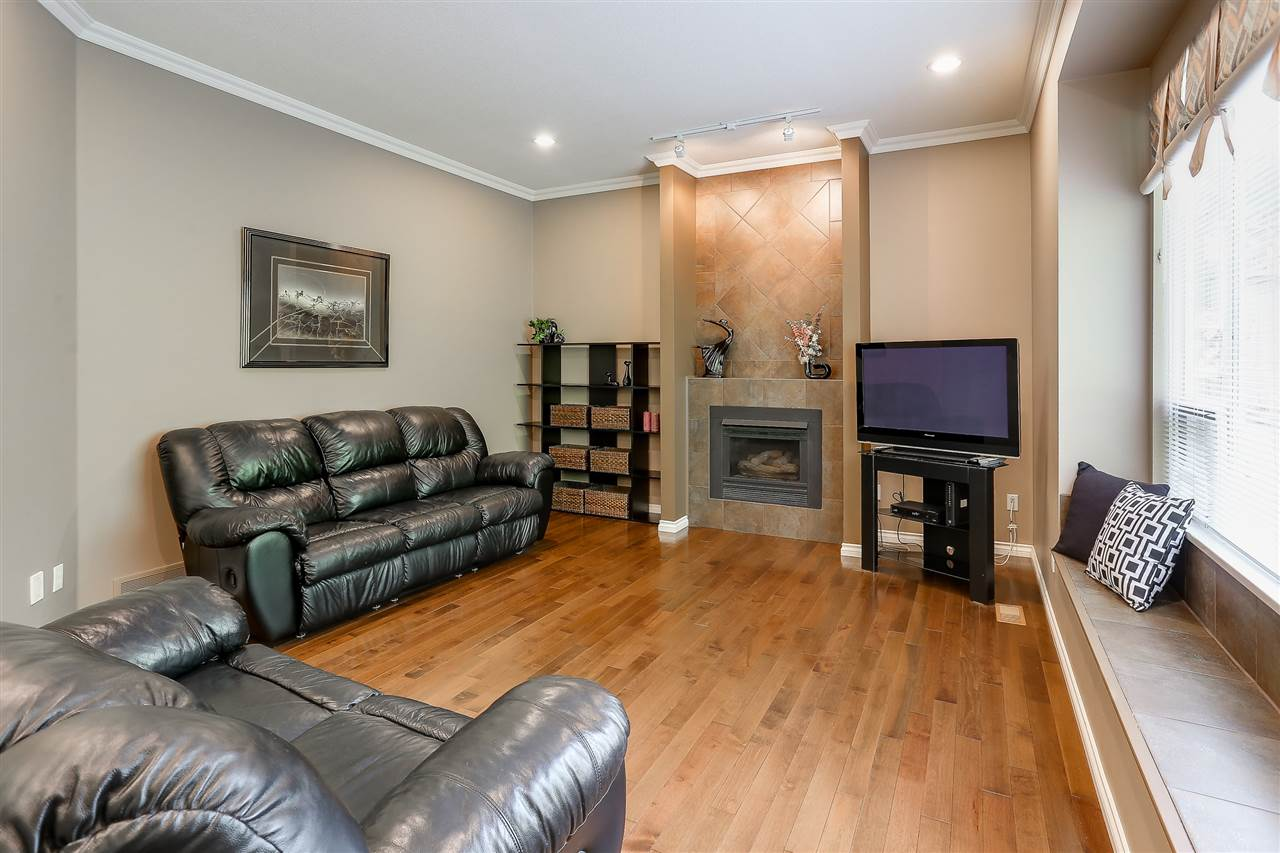 Photo 18: 100 PARKSIDE Drive in Port Moody: Heritage Mountain House for sale : MLS® # R2166868