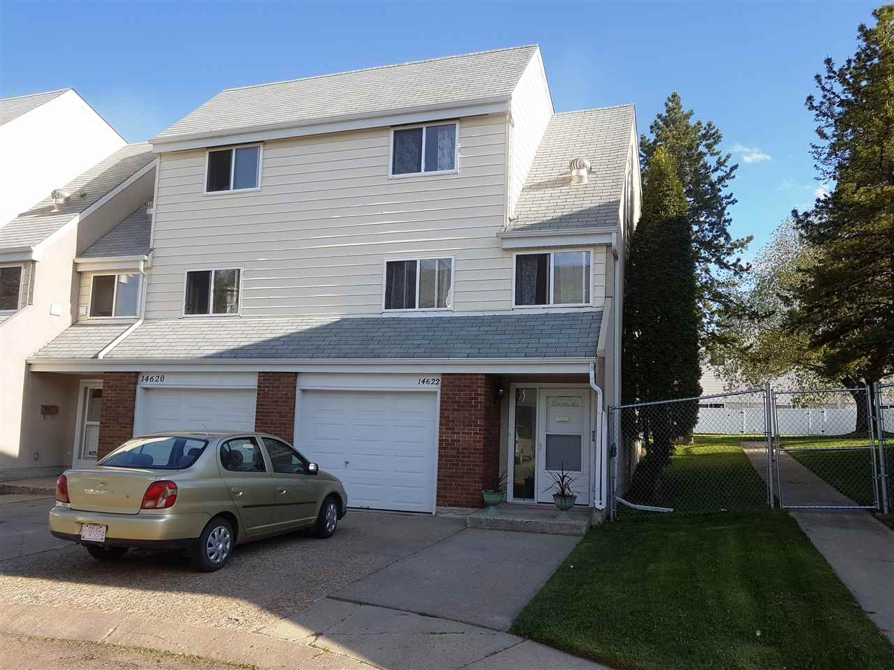 Main Photo: 14622 52 Street in Edmonton: Zone 02 Townhouse for sale : MLS(r) # E4065654