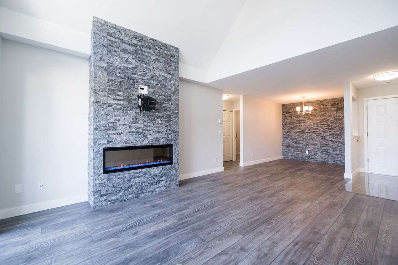"Photo 8: 301 2083 COQUITLAM Avenue in Port Coquitlam: Glenwood PQ Condo for sale in ""TIFFANY COURT"" : MLS(r) # R2177871"