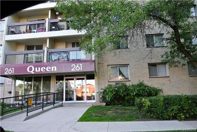 Main Photo: 261 Queen Street in Winnipeg: St James Condominium for sale (5E)  : MLS®# 1718481