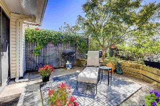 "Main Photo: 5 2150 SE MARINE Drive in Vancouver: Fraserview VE Townhouse for sale in ""Leslie Terrace"" (Vancouver East)  : MLS® # R2206257"