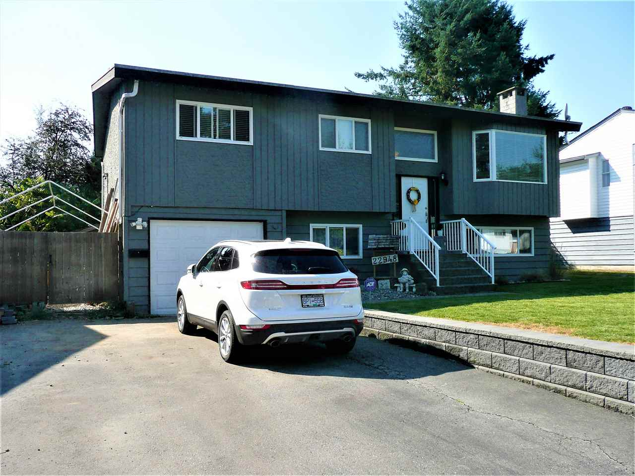 Main Photo: 22948 122 Avenue in Maple Ridge: East Central House for sale : MLS® # R2207798