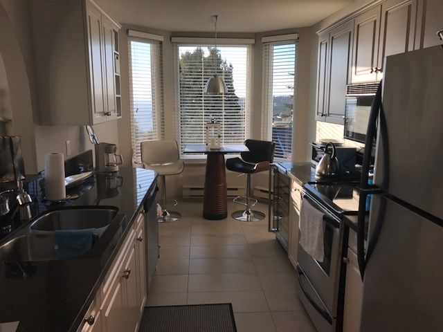 Photo 5: Photos: 305 15131 BUENA VISTA Avenue: White Rock Condo for sale (South Surrey White Rock)  : MLS® # R2222908