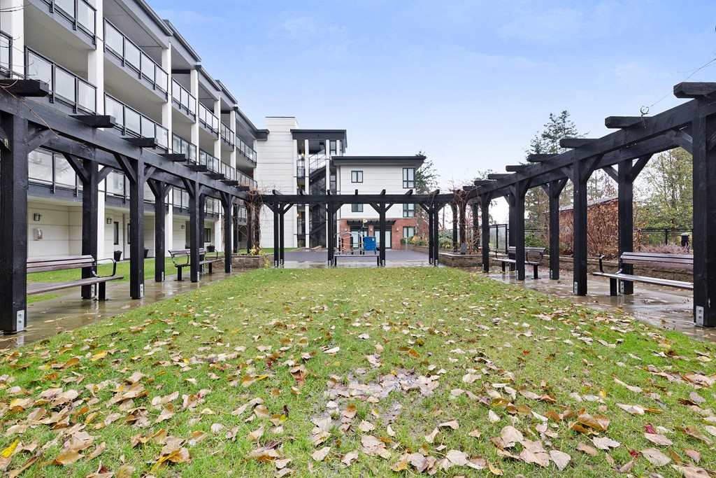 Photo 17: Photos: 110 14358 60 Avenue in Surrey: Sullivan Station Condo for sale : MLS® # R2224068