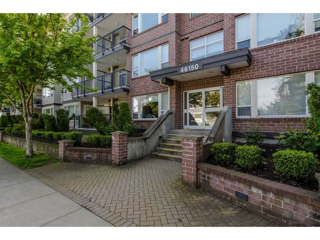 "Main Photo: 412 46150 BOLE Avenue in Chilliwack: Chilliwack N Yale-Well Condo for sale in ""THE NEWMARK"" : MLS® # R2226955"