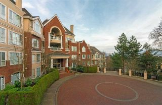 "Main Photo: 501 5262 OAKMOUNT Crescent in Burnaby: Oaklands Condo for sale in ""ST ANDREWS IN THE OAKLANDS"" (Burnaby South)  : MLS® # R2228164"