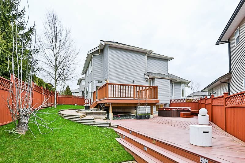 Photo 19: Photos: 6837 196B Street in Langley: Willoughby Heights House for sale : MLS® # R2239434