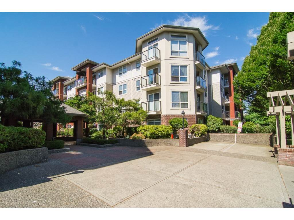 "Main Photo: 314 20259 MICHAUD Crescent in Langley: Langley City Condo for sale in ""City Grande"" : MLS®# R2274803"