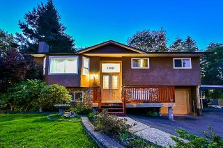 Main Photo: 14689 ASHFORD Place in Surrey: Bear Creek Green Timbers House for sale : MLS®# R2316142