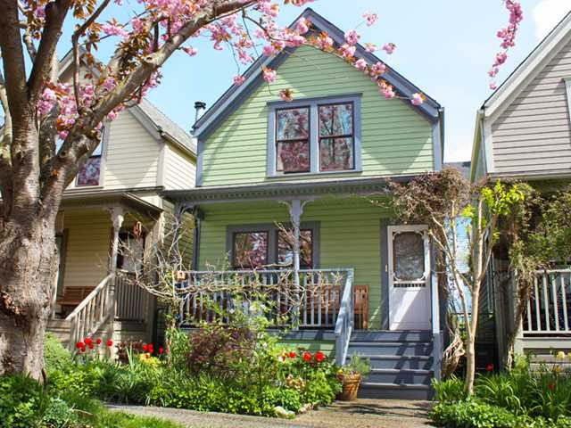 Main Photo: 512 HAWKS Avenue in Vancouver: Mount Pleasant VE House for sale (Vancouver East)  : MLS® # V898069