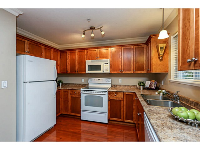 "Photo 7: 44 19141 124TH Avenue in Pitt Meadows: Mid Meadows Townhouse for sale in ""MEADOWVIEW ESTATES"" : MLS(r) # V1029960"