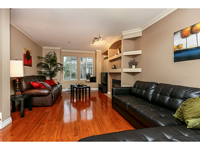 "Photo 4: 44 19141 124TH Avenue in Pitt Meadows: Mid Meadows Townhouse for sale in ""MEADOWVIEW ESTATES"" : MLS(r) # V1029960"
