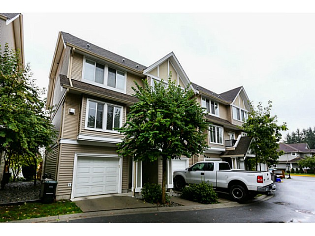 "Main Photo: 44 19141 124TH Avenue in Pitt Meadows: Mid Meadows Townhouse for sale in ""MEADOWVIEW ESTATES"" : MLS® # V1029960"