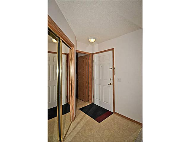 Photo 6: 107 3 SOMERVALE View SW in CALGARY: Somerset Condo for sale (Calgary)  : MLS(r) # C3619597