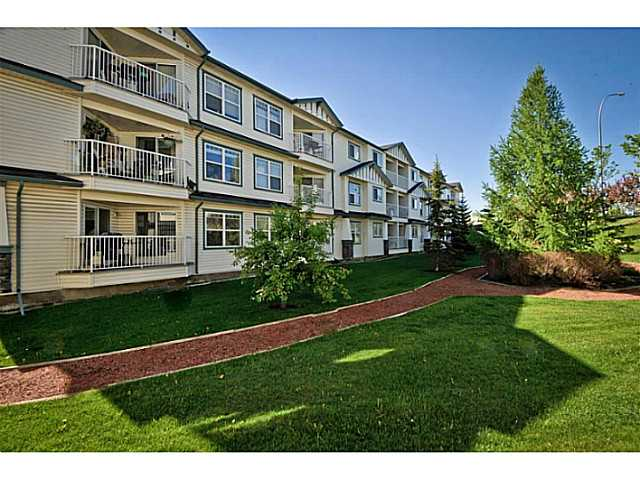 Photo 2: 107 3 SOMERVALE View SW in CALGARY: Somerset Condo for sale (Calgary)  : MLS(r) # C3619597