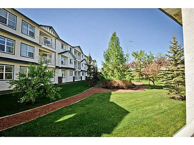 Photo 4: 107 3 SOMERVALE View SW in CALGARY: Somerset Condo for sale (Calgary)  : MLS(r) # C3619597