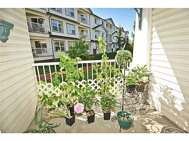 Photo 5: 107 3 SOMERVALE View SW in CALGARY: Somerset Condo for sale (Calgary)  : MLS(r) # C3619597