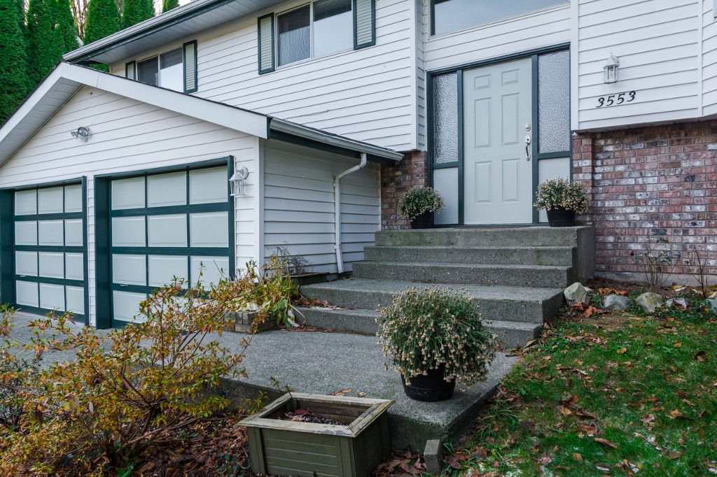 "Photo 3: 3553 DUNSMUIR Way in Abbotsford: Abbotsford East House for sale in ""Lower Ten Oakes"" : MLS® # F1427808"