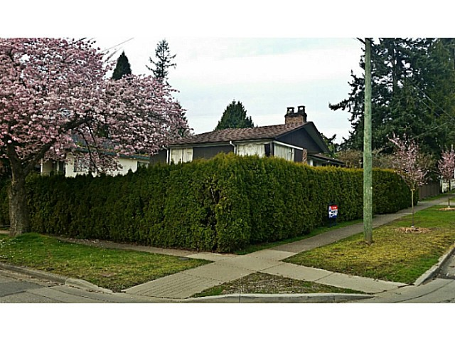 Main Photo: 5875 CARNARVON Street in Vancouver: Kerrisdale House for sale (Vancouver West)  : MLS® # V1111029