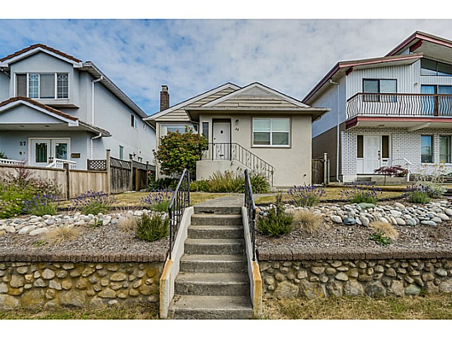Main Photo: 35 E 58TH Avenue in Vancouver: South Vancouver House for sale (Vancouver East)  : MLS® # V1130474
