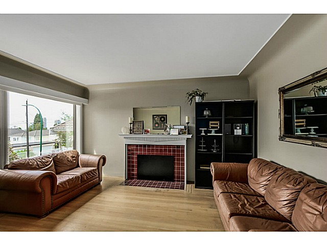 Photo 5: 35 E 58TH Avenue in Vancouver: South Vancouver House for sale (Vancouver East)  : MLS® # V1130474