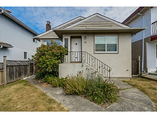 Photo 2: 35 E 58TH Avenue in Vancouver: South Vancouver House for sale (Vancouver East)  : MLS® # V1130474