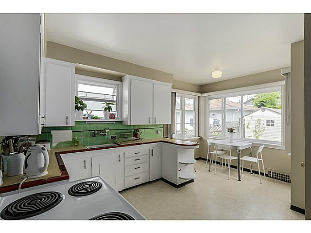 Photo 11: 35 E 58TH Avenue in Vancouver: South Vancouver House for sale (Vancouver East)  : MLS® # V1130474