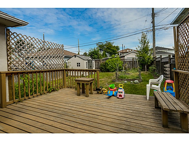 Photo 17: 35 E 58TH Avenue in Vancouver: South Vancouver House for sale (Vancouver East)  : MLS® # V1130474