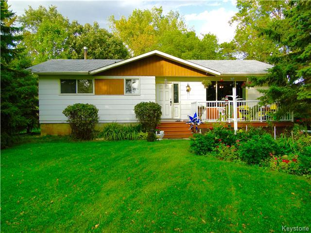 Main Photo: 921 HODDINOTT Road in ESTPAUL: Birdshill Area Residential for sale (North East Winnipeg)  : MLS® # 1525366