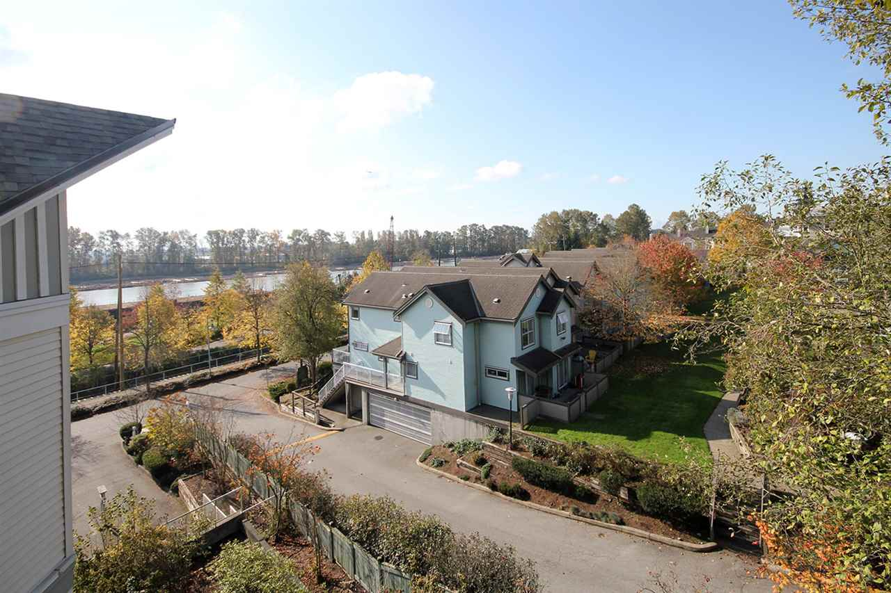"Photo 19: 11 2711 E KENT AVENUE NORTH Avenue in Vancouver: Fraserview VE Townhouse for sale in ""RIVERSIDE GARDENS"" (Vancouver East)  : MLS® # R2010542"