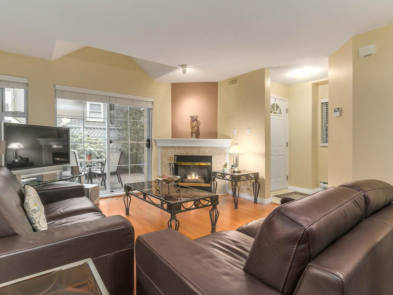 "Photo 4: 24 7488 SALISBURY Avenue in Burnaby: Highgate Townhouse for sale in ""WINSTON GARDENS"" (Burnaby South)  : MLS® # R2112736"