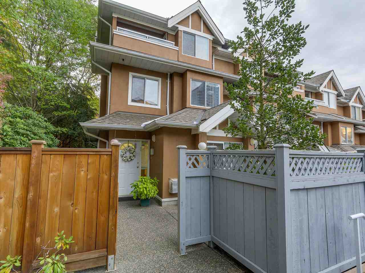 "Main Photo: 24 7488 SALISBURY Avenue in Burnaby: Highgate Townhouse for sale in ""WINSTON GARDENS"" (Burnaby South)  : MLS® # R2112736"