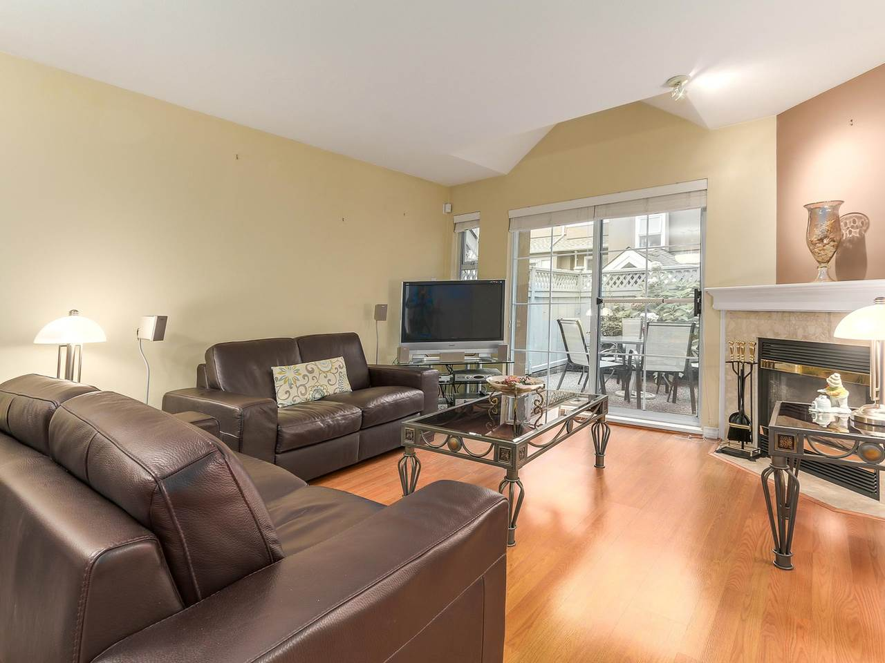 "Photo 5: 24 7488 SALISBURY Avenue in Burnaby: Highgate Townhouse for sale in ""WINSTON GARDENS"" (Burnaby South)  : MLS® # R2112736"