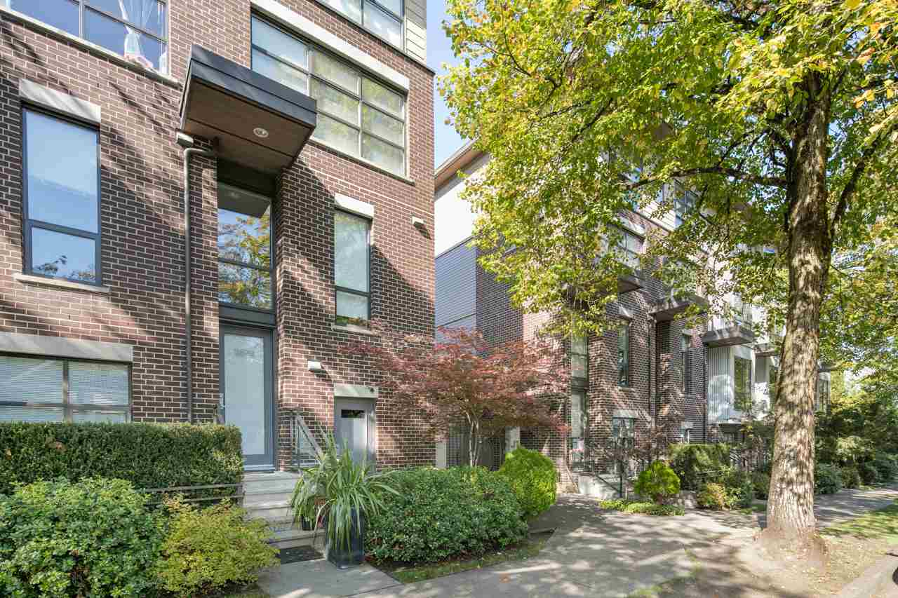 "Main Photo: 3677 COMMERCIAL Street in Vancouver: Victoria VE Townhouse for sale in ""Brix 2"" (Vancouver East)  : MLS(r) # R2113699"