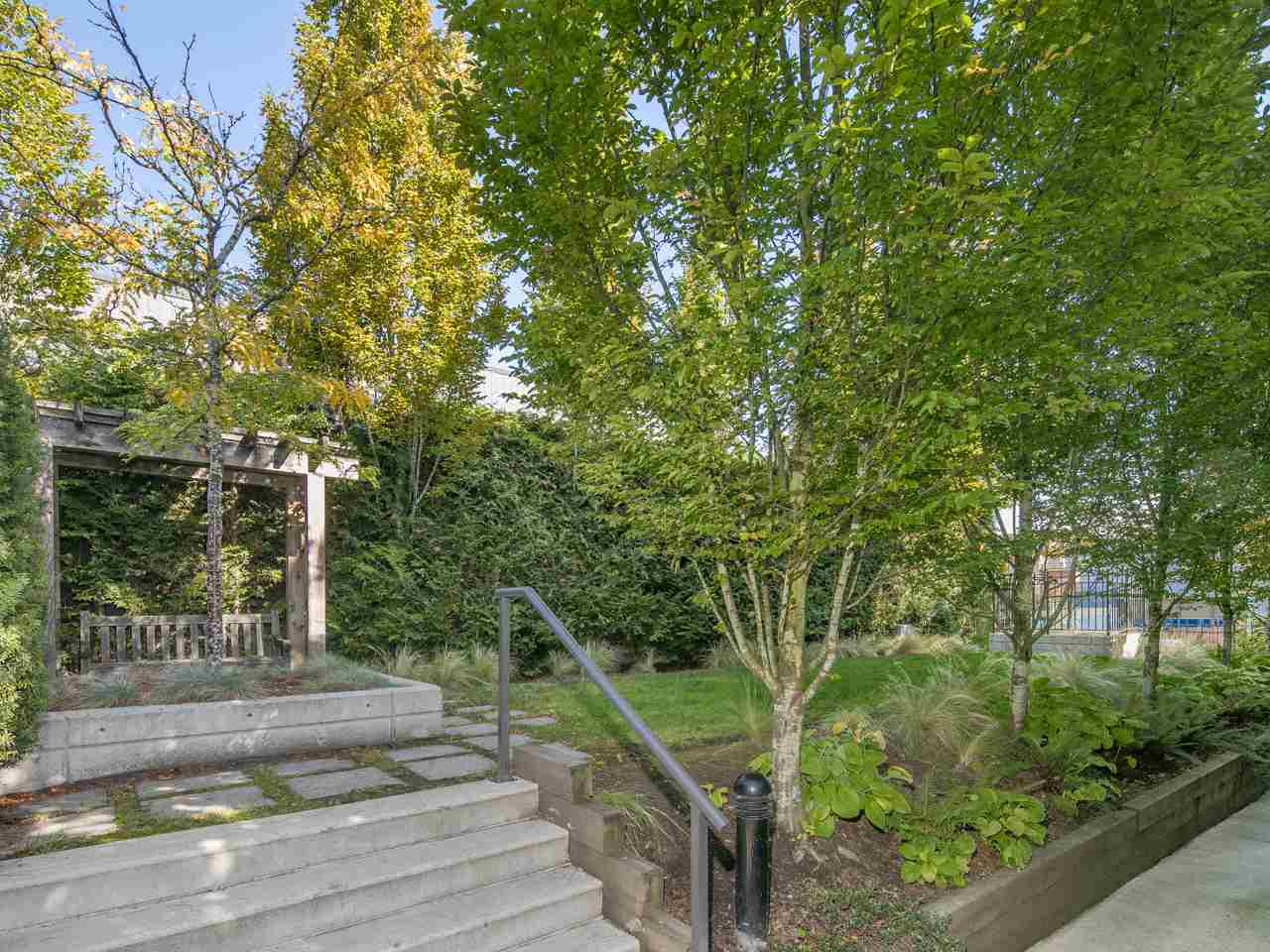 "Photo 16: 3677 COMMERCIAL Street in Vancouver: Victoria VE Townhouse for sale in ""Brix 2"" (Vancouver East)  : MLS(r) # R2113699"